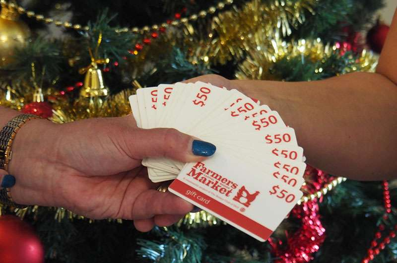 President Janine hands over gift cards
